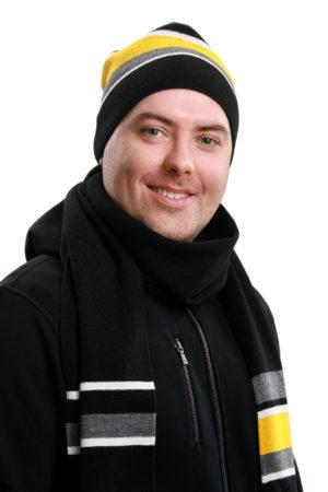 Inari-pipo ja kaulaliina